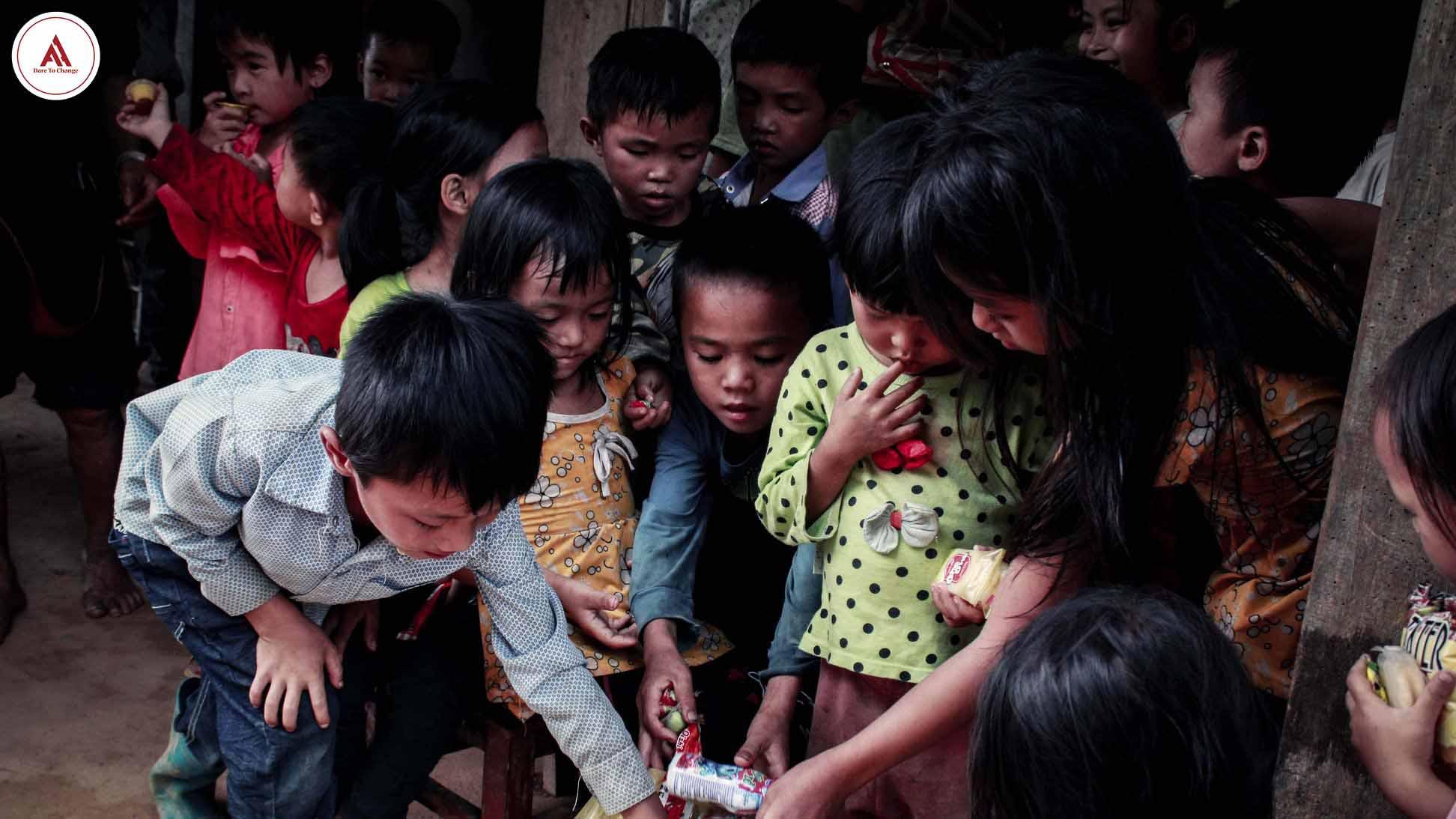 Chuyến tình nguyện giáp Tết: Sẻ chia yêu thương