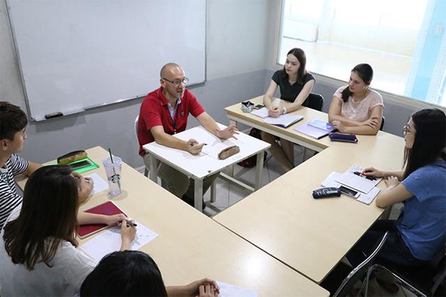 Cần lưu ý gì khi chọn chương trình học tiếng anh?