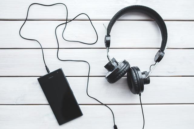 luyện  nghe qua radio
